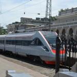 Одесская железная дорога обеспечивает себя плиткой, окнами, мебелью и водой