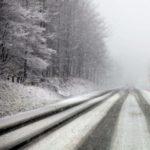 В разгар снегопада ни одной снегоуборочной машины на трассе Одесса-Рени