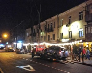 Бизнес или воспитание дисциплины: в Одессе эвакуируют автомобили