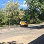 Возле Одесской ОГА разрушают дорожное покрытие